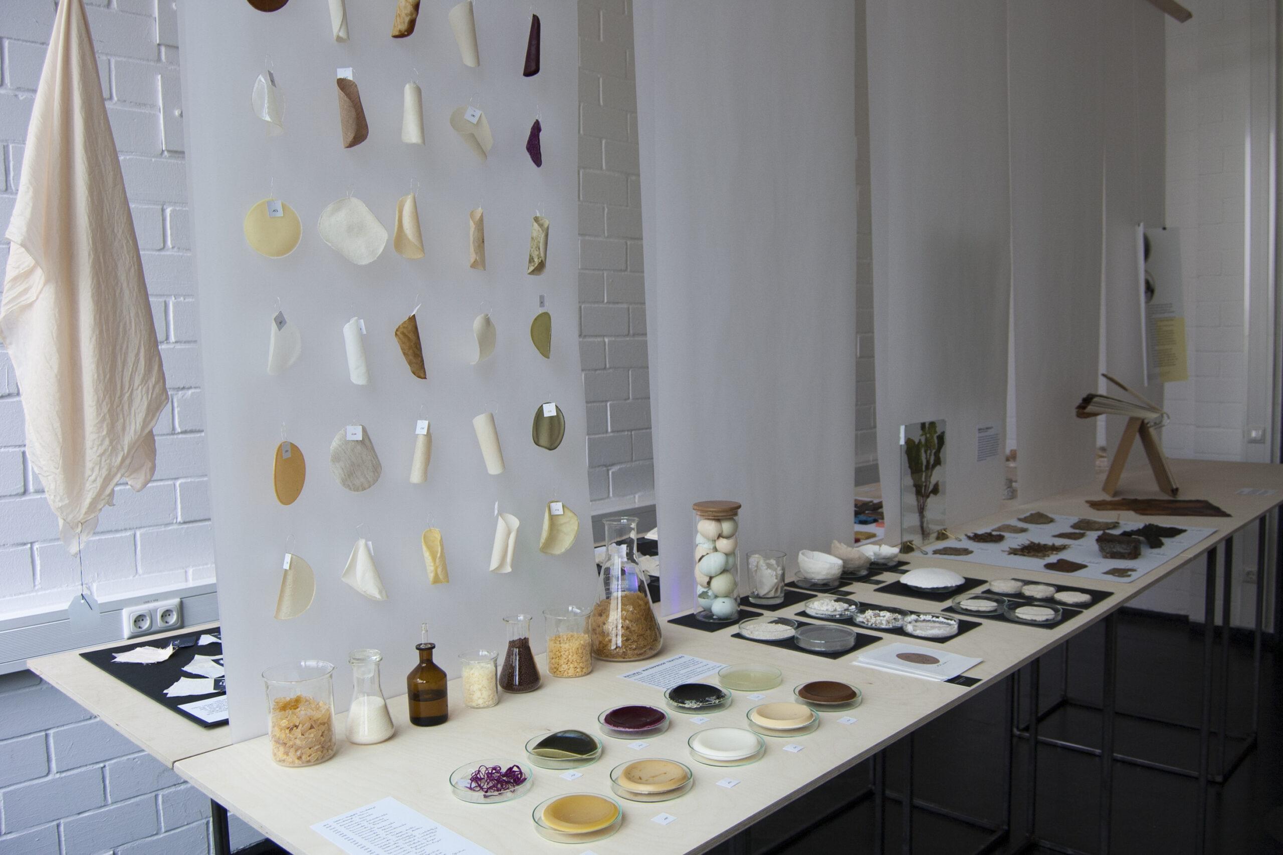 """Ausstellung des Projekts """"material"""" beim Rundgang der Kunsthochschule Kassel 2019"""